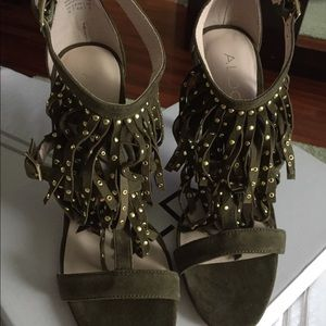 NWT Also suede heels